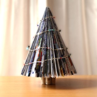 magazine-christmas-tree