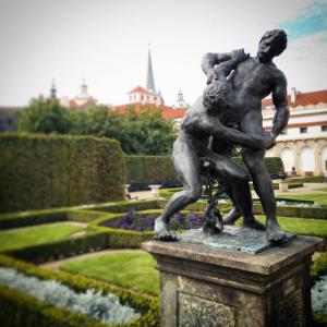statue-prague